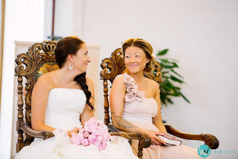 19-bryllupsfotograf-vestby-vielse-såner-kirke-brudepar