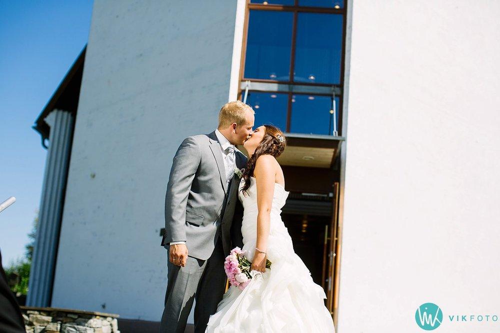 31-bryllupsfotograf-vestby-vielse-såner-kirke-brudepar