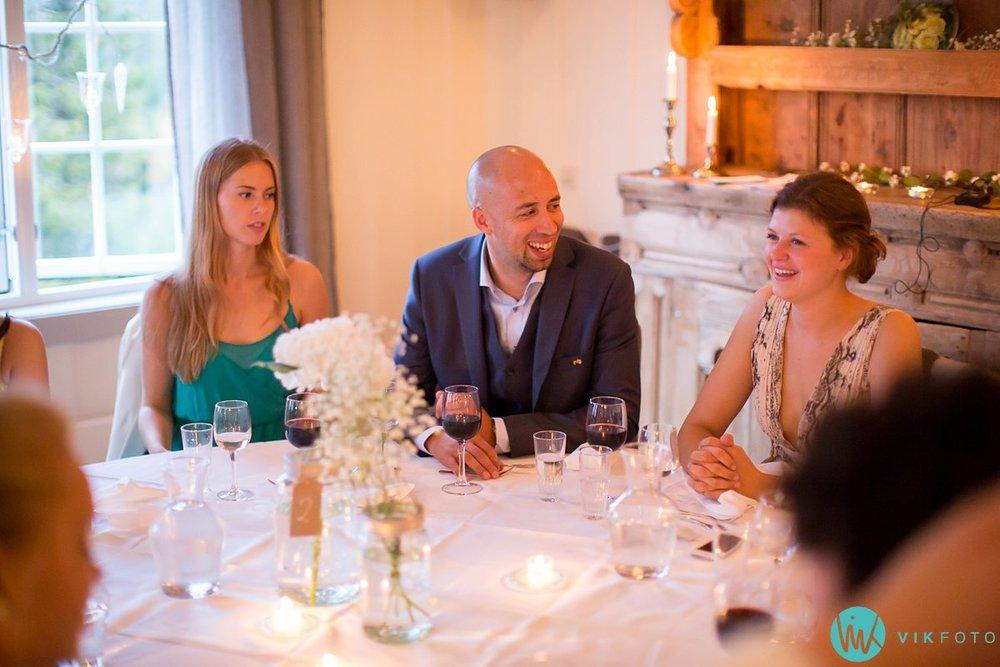 79-bryllupsfotograf-danebu-kongsgard-bryllupsbilder