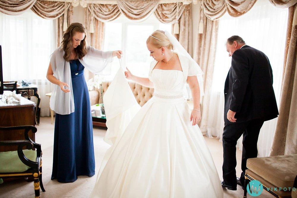 11-bryllup-fotograf-oslo-hotel-continental-forberedelser
