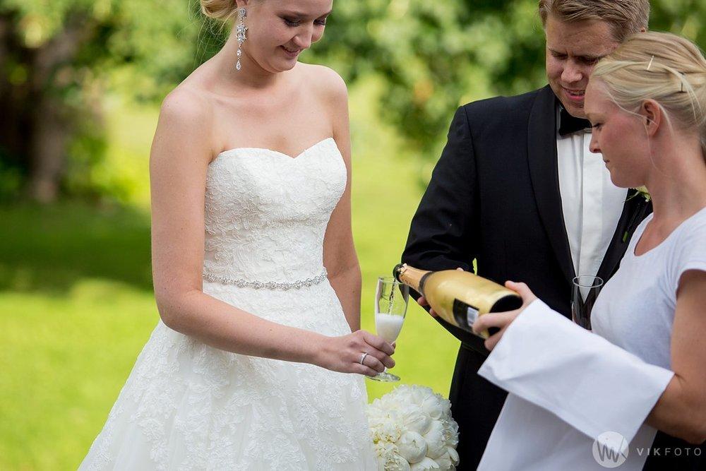 29-bryllup-torderød-gård-bryllupsfotograf-moss