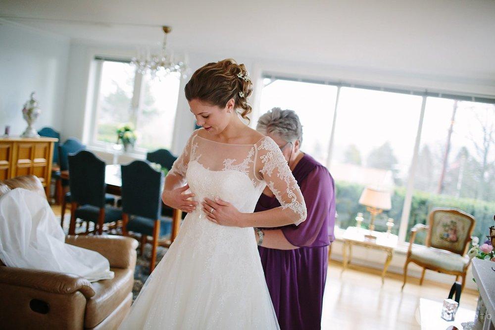 05-vinterbryllup-bryllup-holmenkollen-kapell-vielse-brudepar