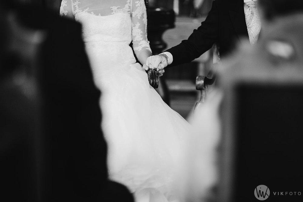 22-vinterbryllup-bryllup-holmenkollen-kapell-vielse-brudepar