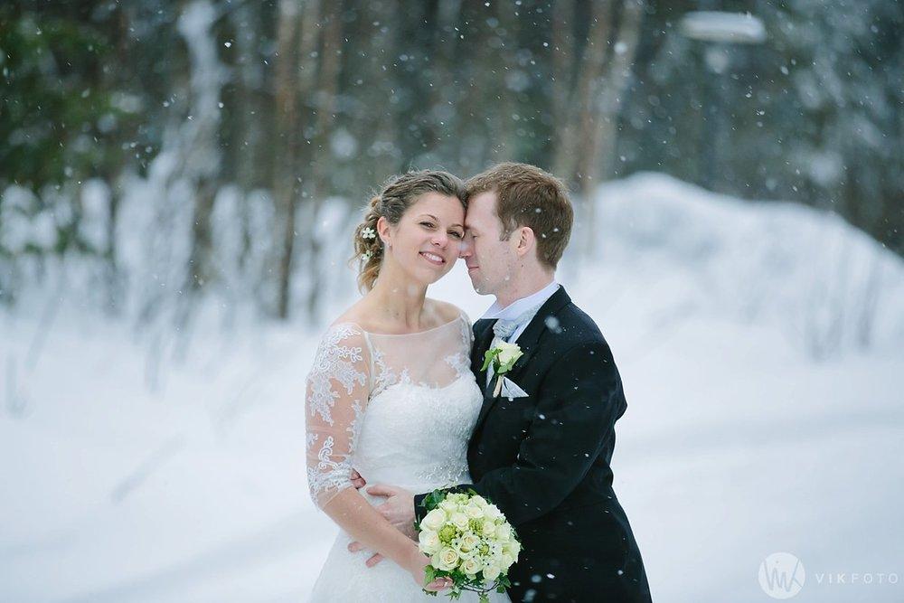 38-vinterbryllup-askeladdens-hus-soria-mora-bryllup