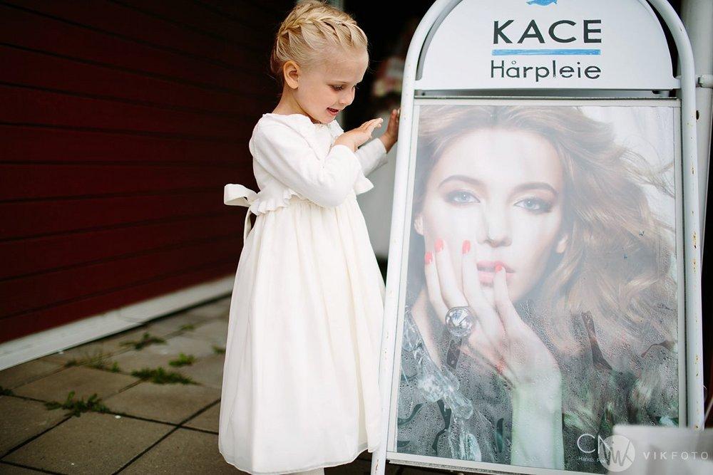 18-bryllup-fotograf-fredrikstad-brud-kace-hårpleie.jpg