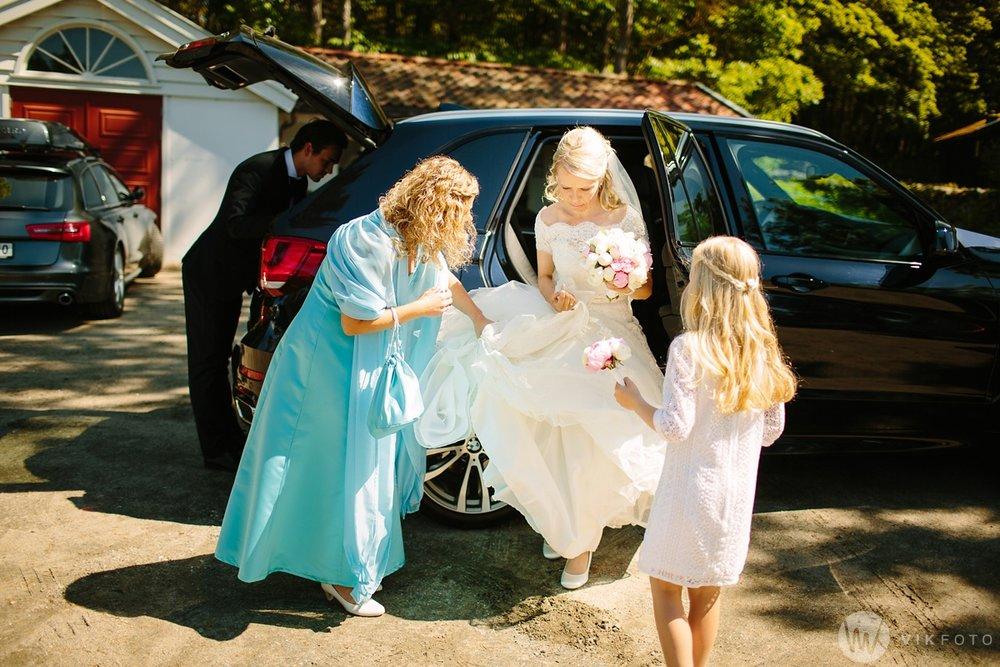 22-bryllup-hvaler-kirke-sommerbryllup.jpg
