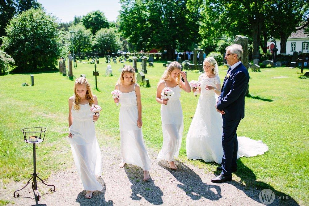 24-bryllup-hvaler-kirke-sommerbryllup.jpg