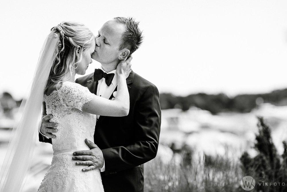49-bryllup-hvaler-gjestgiveri-bryllupsbilde-brudepar.jpg