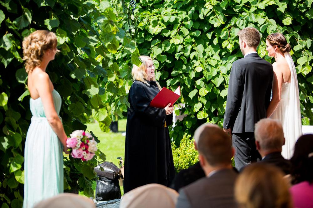 Utendørs vielse på Refsnes Gods på Jeløy i Moss