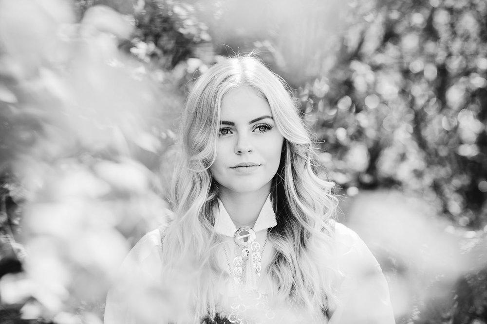 fotograf-sarpsborg-konfirmasjon-konfirmantbilde-7.jpg