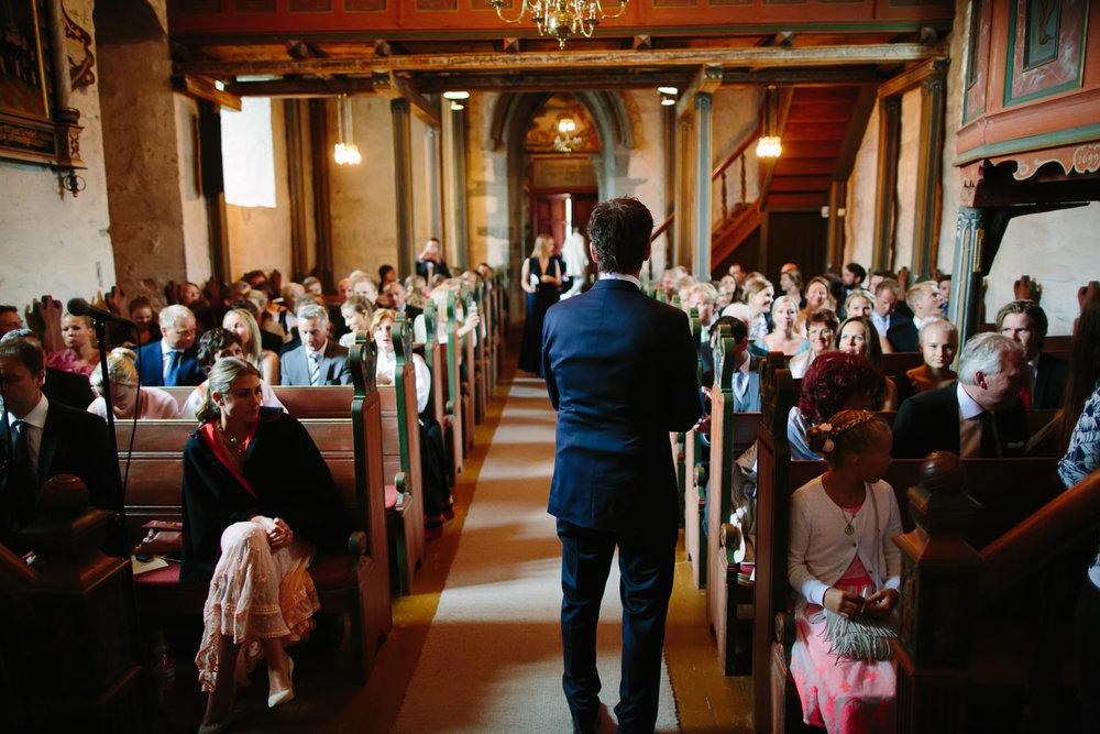 28-bryllup-dale-kirke-vielse-sogn-lustrafjorden.jpg