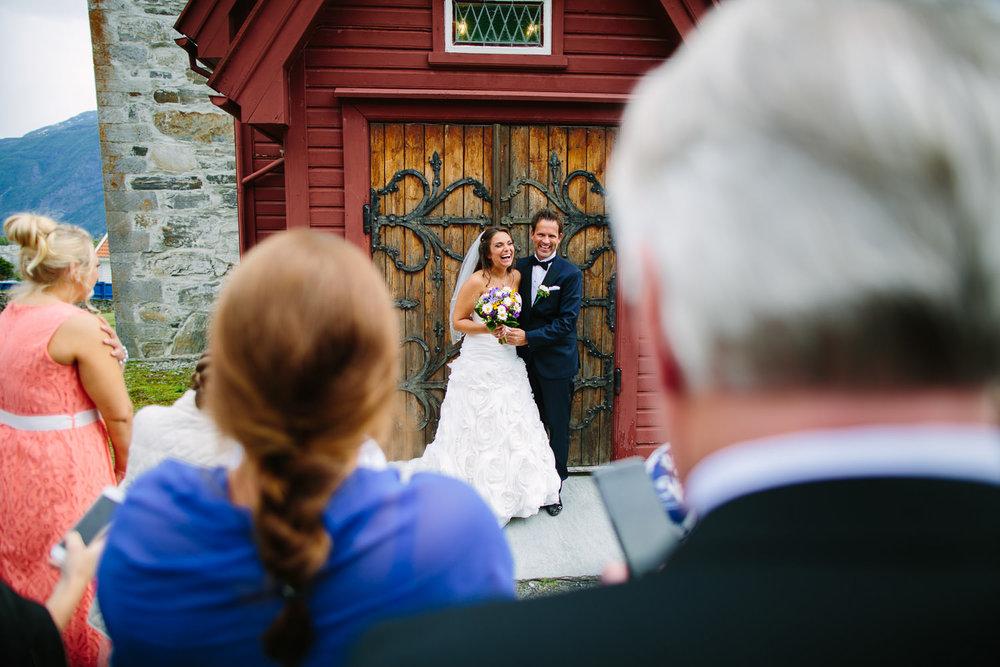 38-bryllup-dale-kirke-vielse-sogn-lustrafjorden.jpg