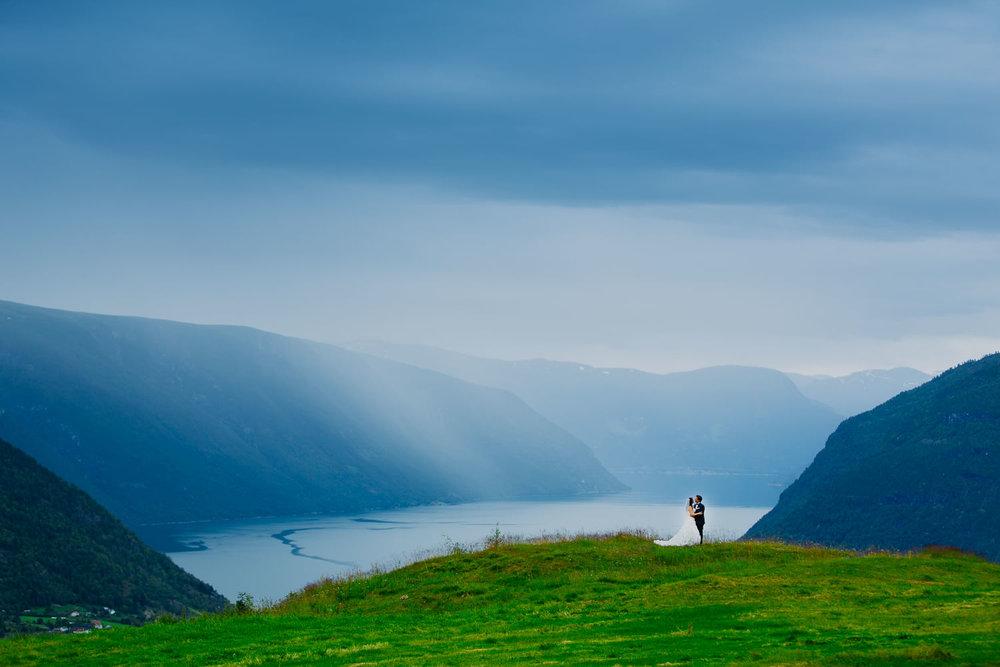 48-bryllupsbilde-sogn-lustrafjorden-torvis-hotell.jpg