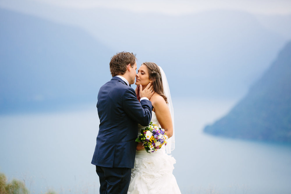 49-bryllupsbilde-sogn-lustrafjorden-torvis-hotell.jpg