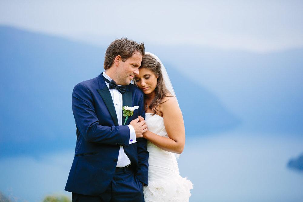 53-bryllupsbilde-sogn-lustrafjorden-torvis-hotell.jpg