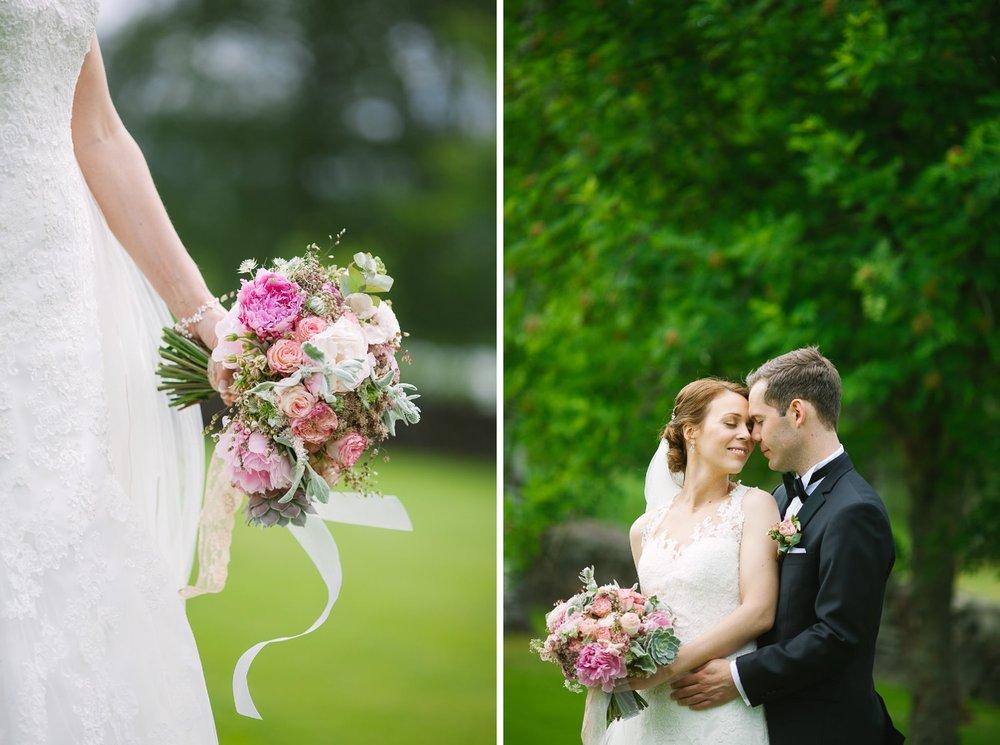 42-bryllupsfotograf-romskog-spa-bryllupsbilde-eucalyptus-blomster.jpg