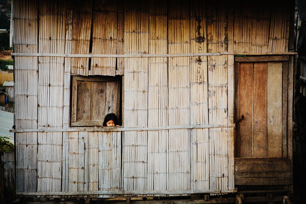guayaquil-ecuador-slum-jente