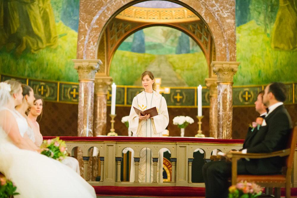 027-bryllup-vielse-ullern-kirke-bryllupsfotograf-oslo.jpg