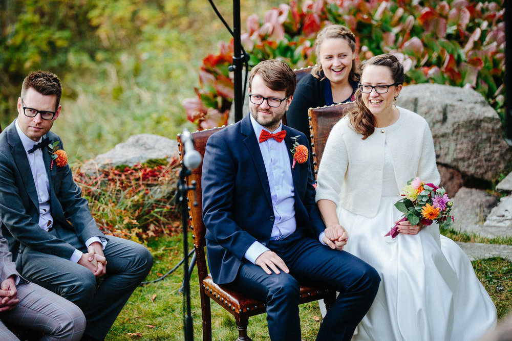 22-bryllup-solstua-vielse-ute.jpg