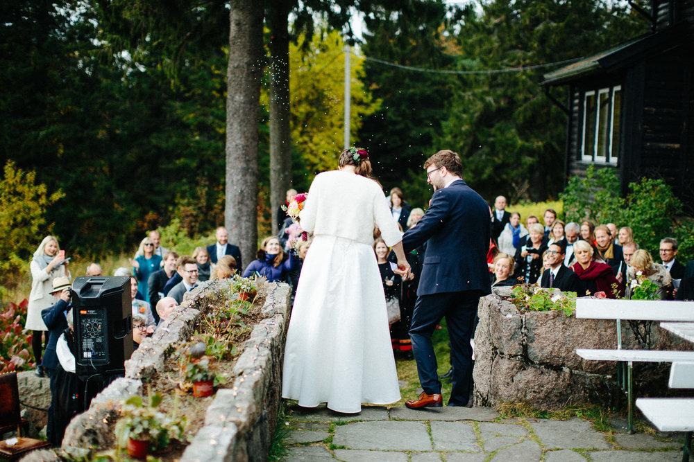 30-bryllup-solstua-vielse-ute.jpg