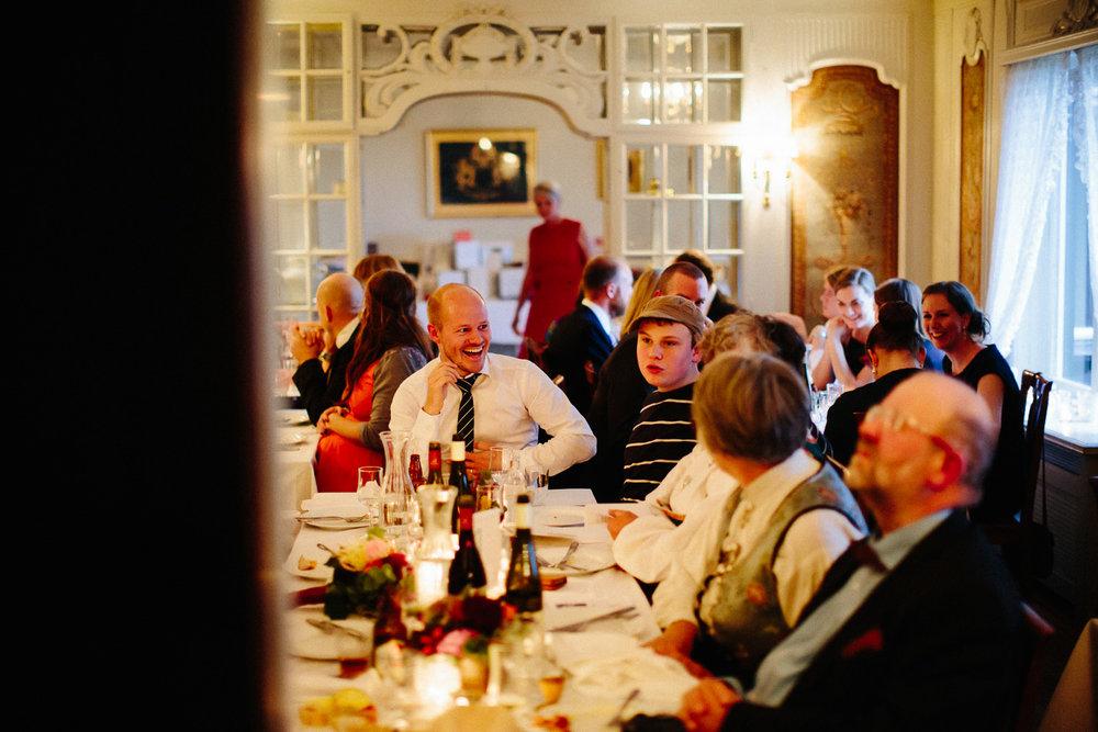 68-bryllupsfotograf-oslo-bryllup-solstua-holmenkollen.jpg