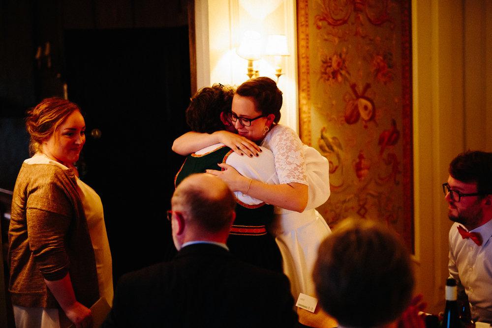 80-bryllupsfotograf-oslo-bryllup-solstua-holmenkollen.jpg