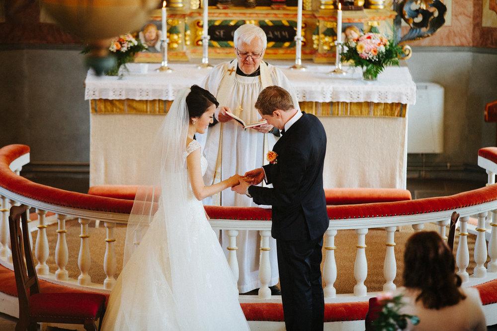 33-bryllup-steneby-kyrka-vielse-baldersnas.jpg