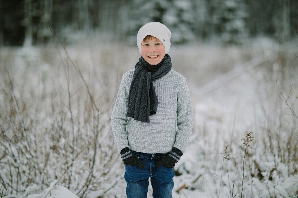 portrett utendørs i snøen om vinteren