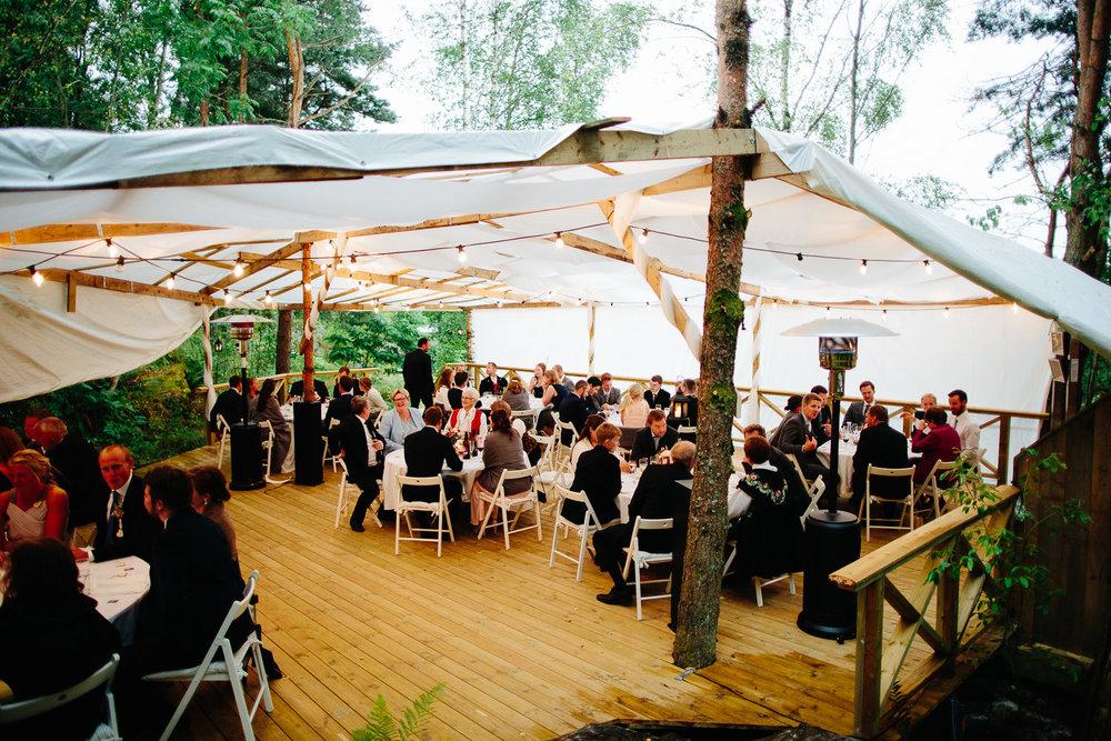 Paviljong og partytelt fra utendørs bryllup i Østfold.
