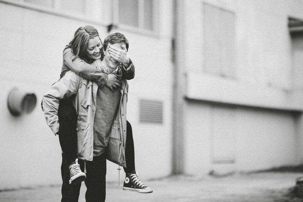 forlovelse-kjærestepar-romantiske-bilder-fotograf-sarpsborg-9.jpg