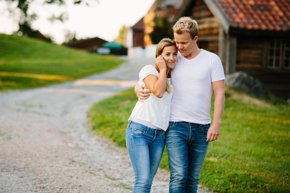forlovelse-kjærestepar-romantiske-bilder-fotograf-sarpsborg-13.jpg
