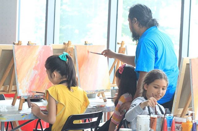 birthday party event at #artipaintbar ! We're glad everyone had a great time 🎂😊