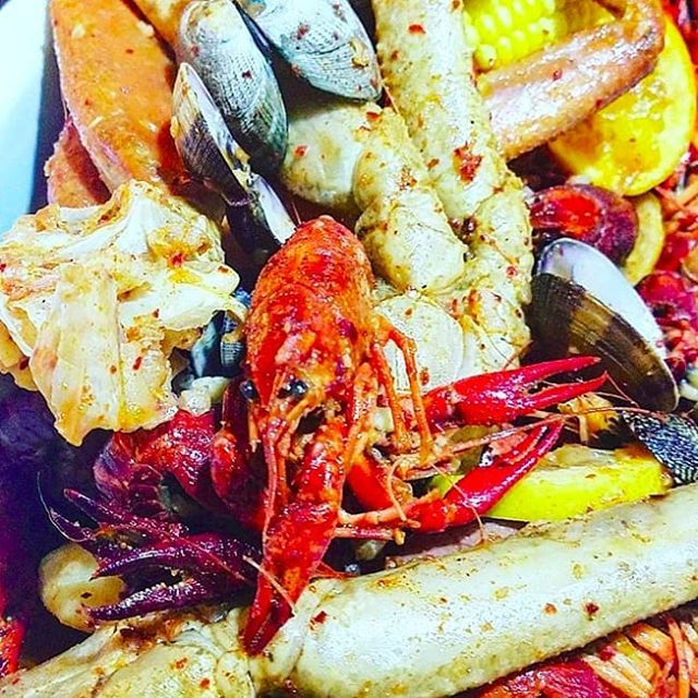 Happy Labor Day! We've got everything you need to make the most of the three day weekend - fresh seafood, full bar, great atmosphere, and other delicious offerings 😁 . 📷: @thomastran18 . . . #laborday #monday #threedayweekend #longweekend #freshseafood #seafood #fresh #fullbar #dolorestaurant #dolochicago #chinatownchicago #dimsum #chinesefood #cantonesefood #yummy #foodie #tasty #Hungry #foodpics #foodpic #foodphotography #chicagofoodauthority #chicagofood #Chicagoeats #chicagolife #chicagofoodie #instachicago #312food #Food #yelp