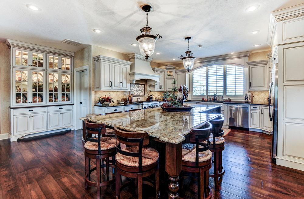 built-by-brett-custom-home-springfield-mo-13735-lawrence-2100-017.jpg
