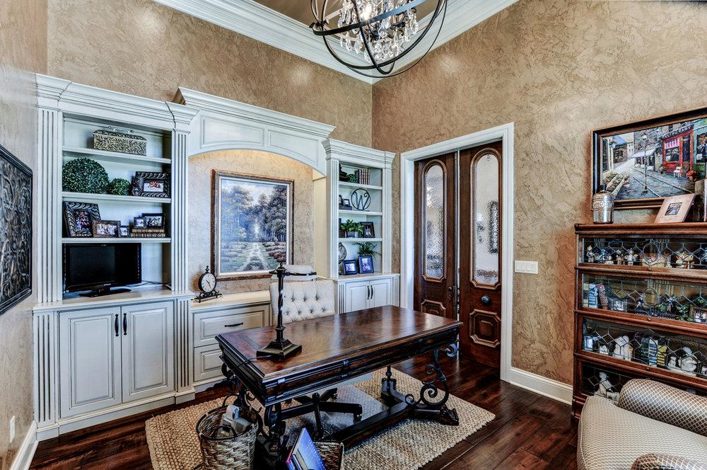 built-by-brett-custom-home-springfield-mo-13735-lawrence-2100-033.jpg