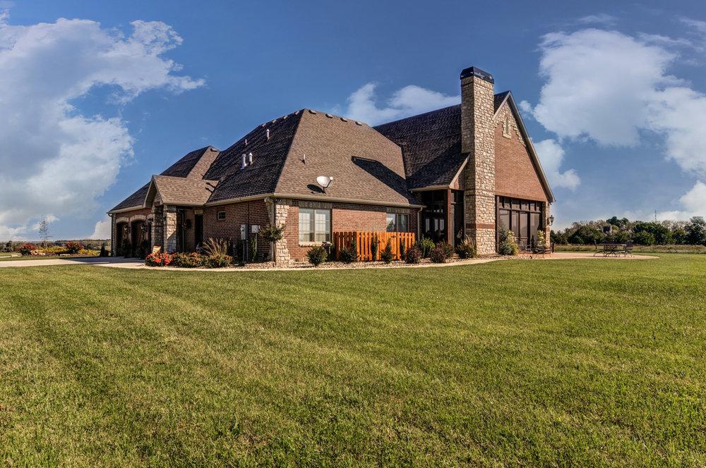 built-by-brett-custom-home-springfield-mo-13735-lawrence-2100-exterior-004.jpg