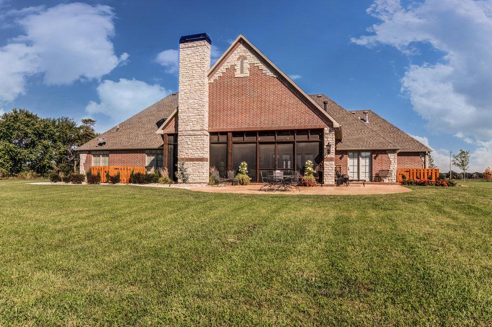 built-by-brett-custom-home-springfield-mo-13735-lawrence-2100-exterior-005.jpg