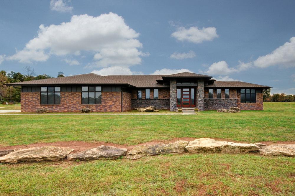 built-by-brett-custom-home-builders-springfield-mo-meadowcrest-lane-exterior-001.jpg