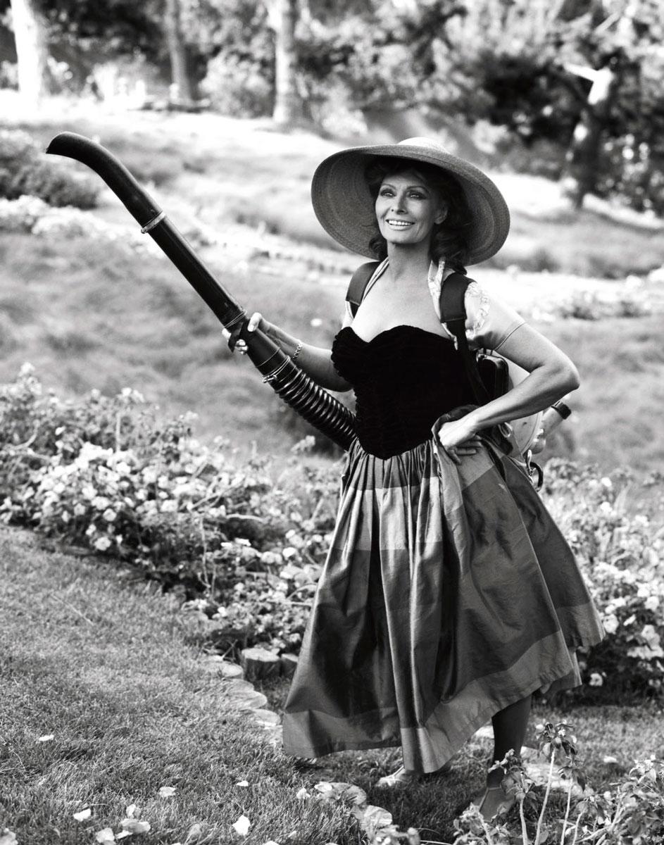 Sophia_Loren_George_Lange.jpg