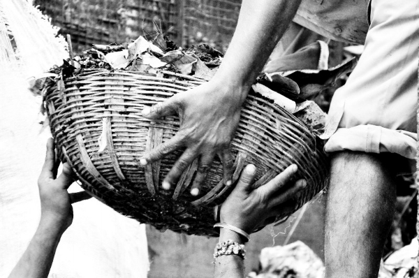 Segregating waste makes the jobs of waste collectors safer (Credit: Abhishek            Sundaram/Flickr CC)
