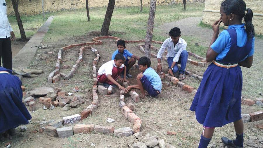 Students develop a herb garden. Image: Facebook/ Agastya International Foundation