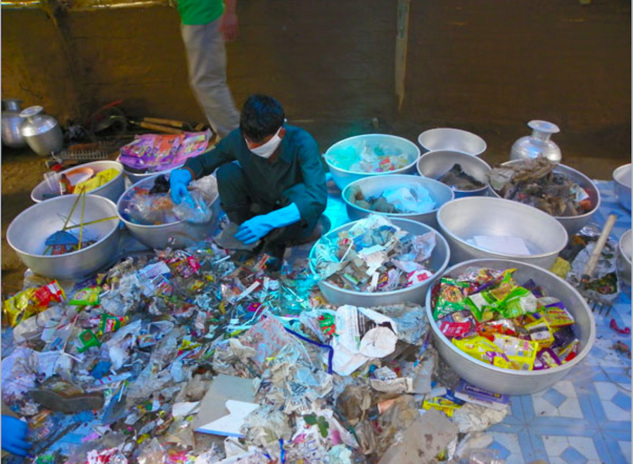 Inorganic waste cleaning and secondary segregation at an SLRM centre