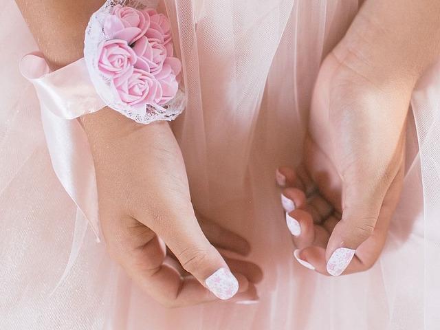 manicure unghie nails.jpg