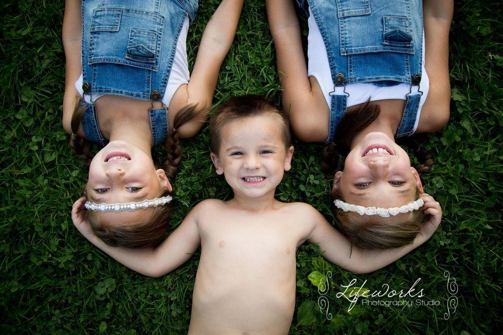 FAMILY PORTRAITS & KID PHOTOGRAPHY
