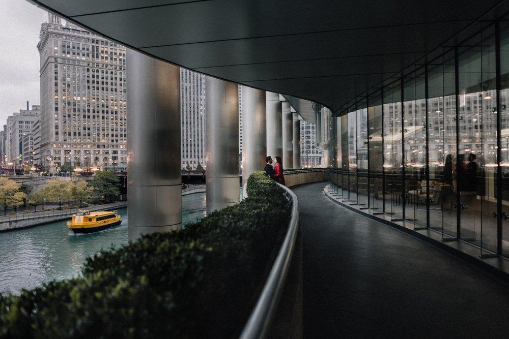 Trump walkway | Chicago vacation photography | lisa kathan photography
