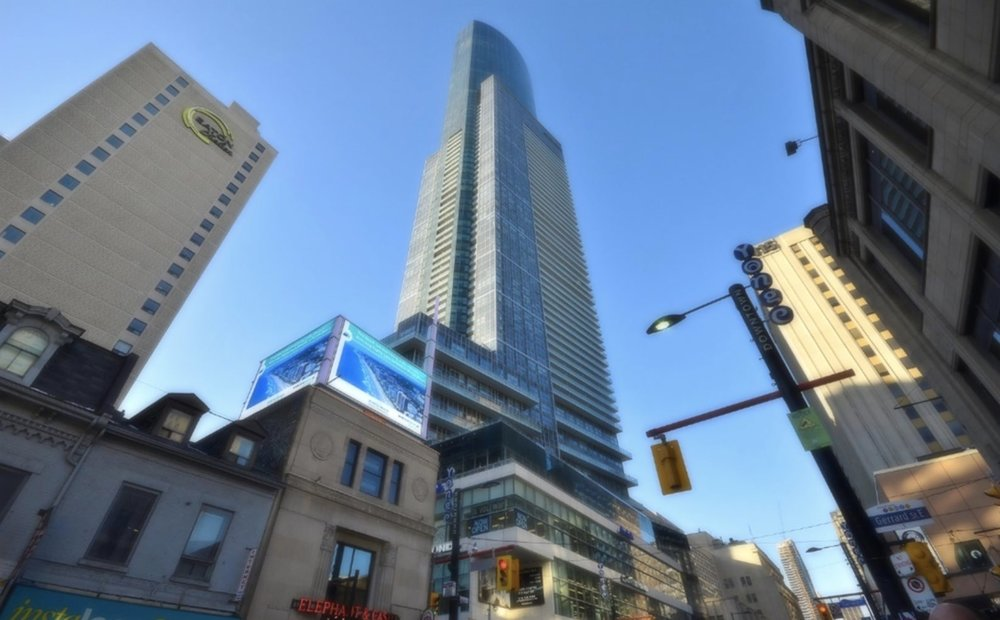 386-388Yonge_Aura-at-College-Park.jpg