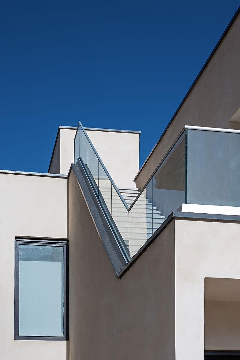 Villa wall_KavStudio (1).jpg