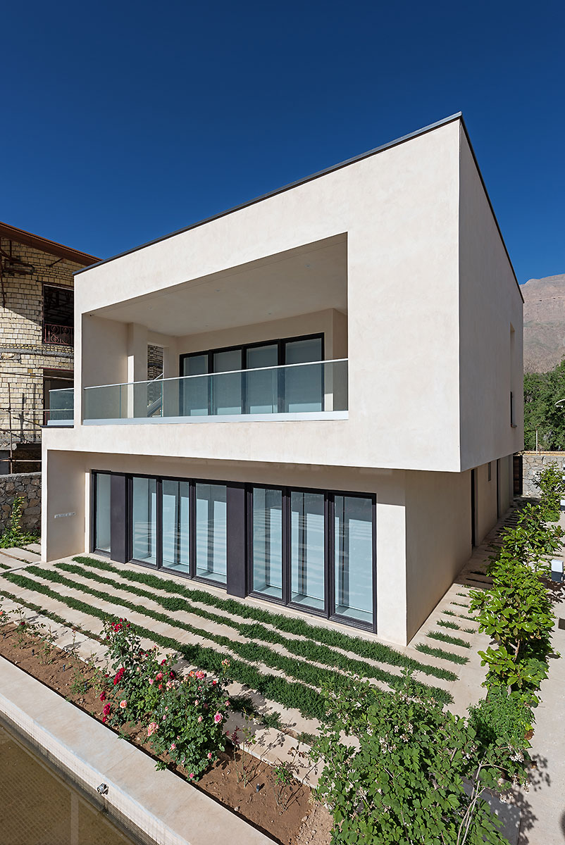 Villa wall_KavStudio (2).jpg