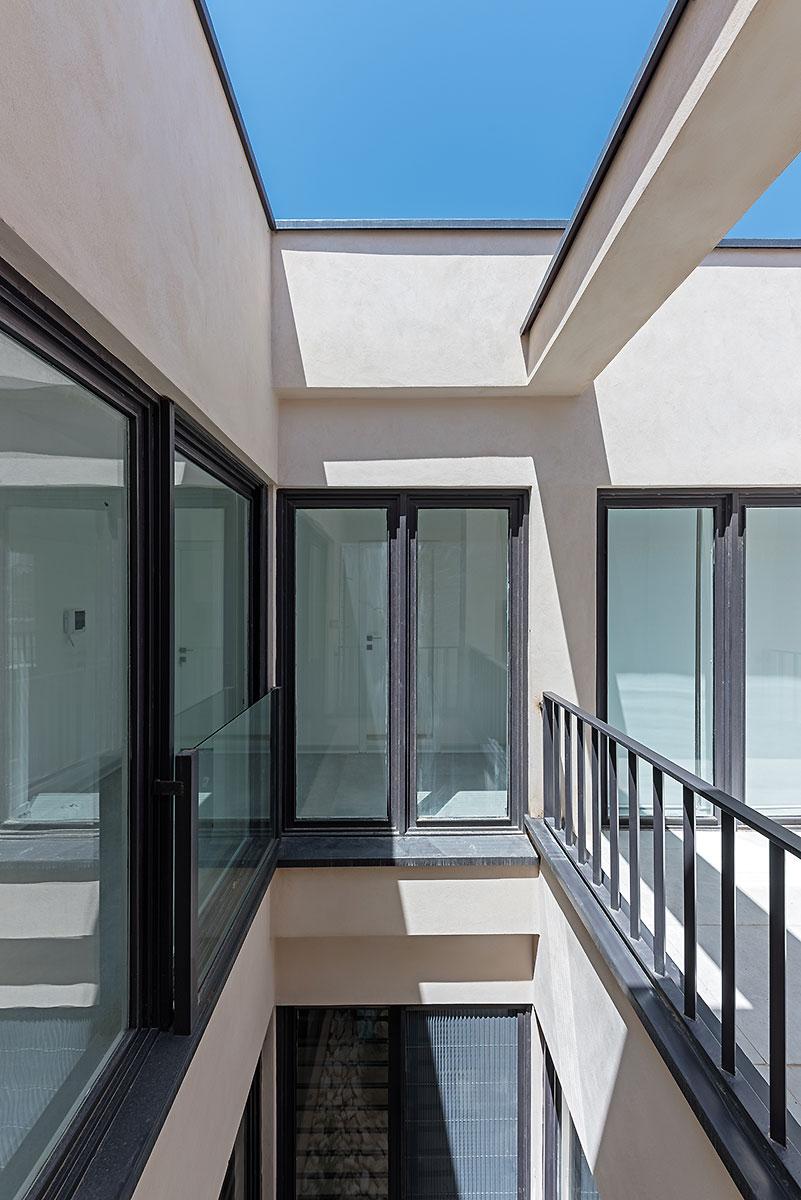 Villa wall_KavStudio (5).jpg