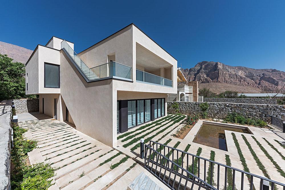 Villa wall_KavStudio (4).jpg